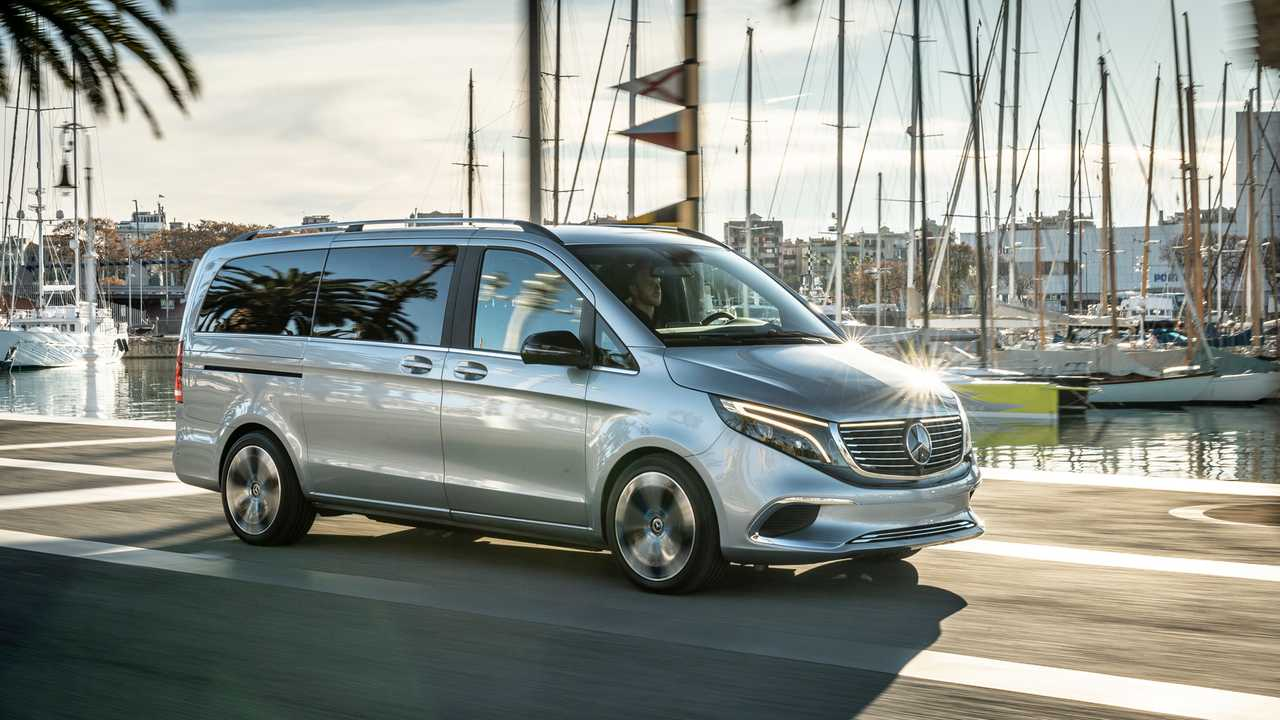 Mercedes EQV, test a Barcellona