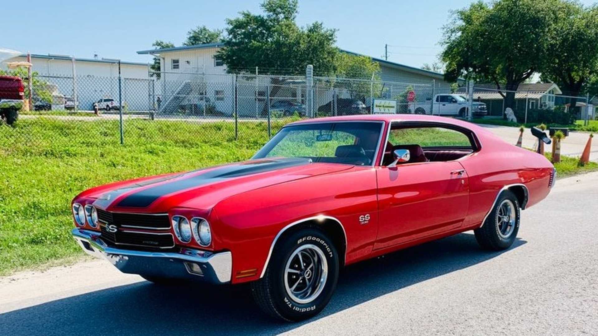"[""1970 Chevrolet Chevelle SS In Cranberry Red Is Droolworthy""]"