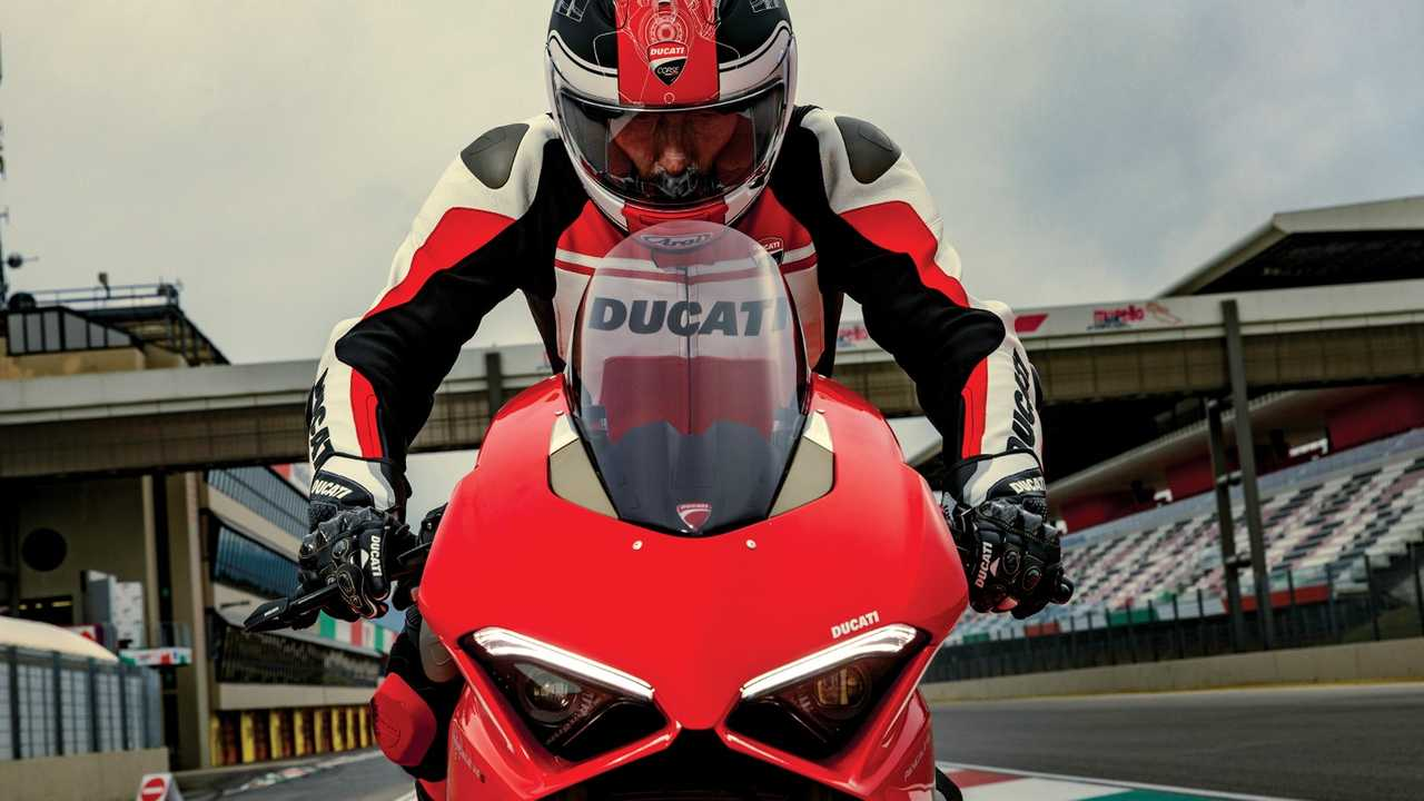 Ducati Corse C4 Leathers With Select Panigale V4 Purchases