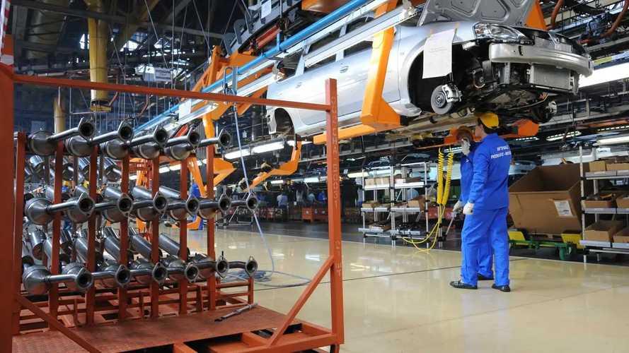 Российские автозаводы скоро вернутся к работе