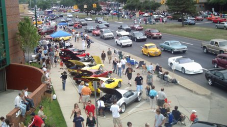 Motorious digital car show at woodward dream cruise