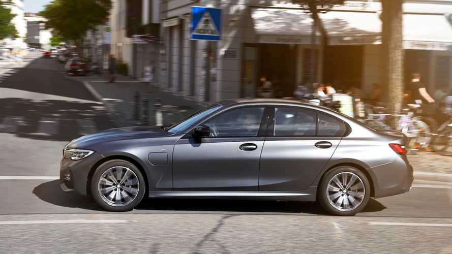 BMW Teaches You How To Most Efficiently Drive Its PHEVs