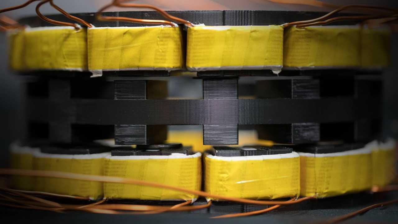 Yumuşak mıknatıslar 3 kat daha hafif elektrik motorları yapmak için söz veriyorum