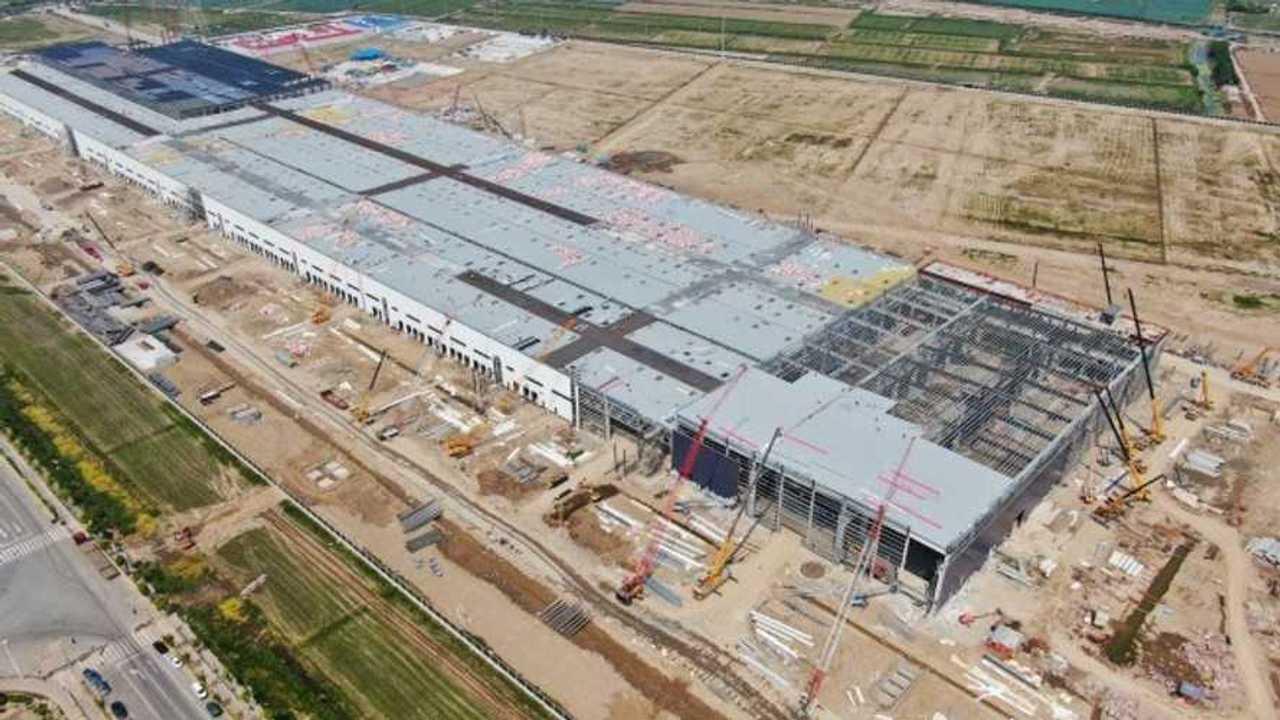 Tesla'nın Çin'deki Fabrikası (Tesla Gigafactory)