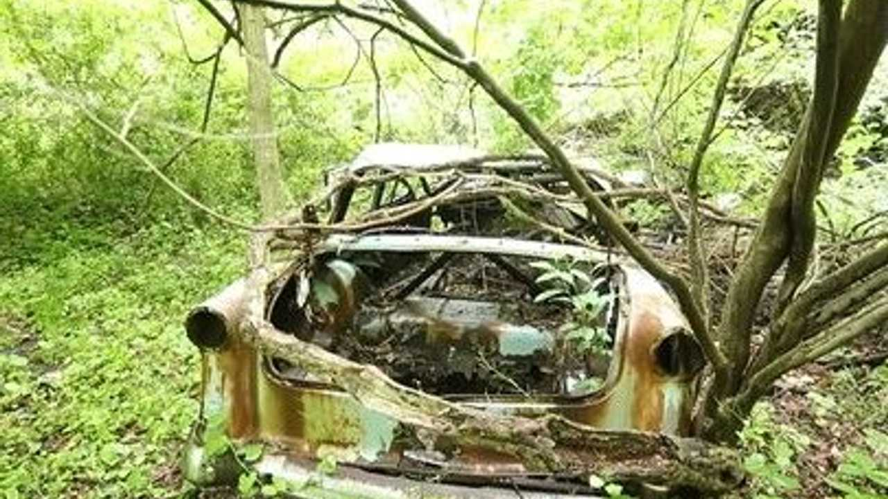 New York Hiking Trails Double As Classic Auto Graveyards