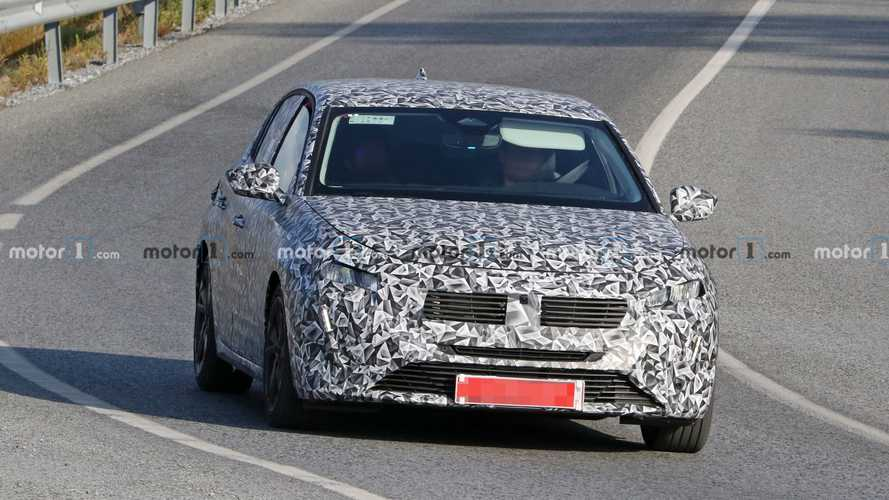 2022 Peugeot 308 spy photos