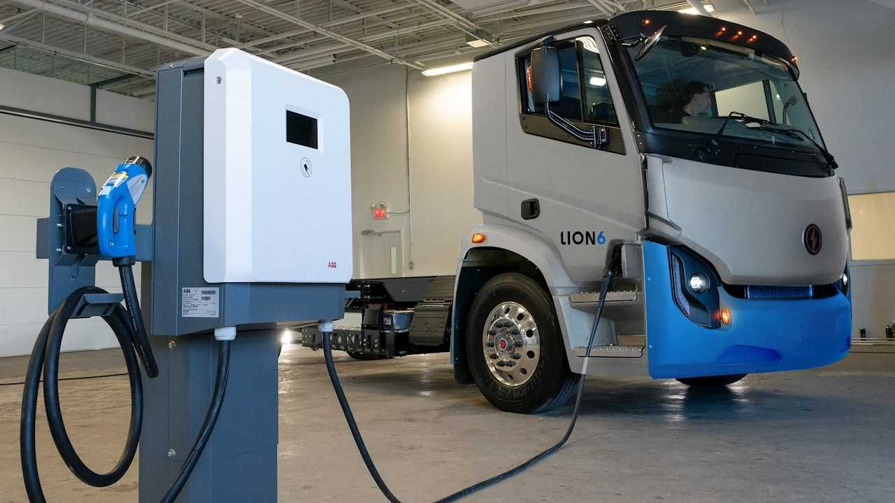 Lion6 all-electric truck and Terra DC Wallbox ABB terminal