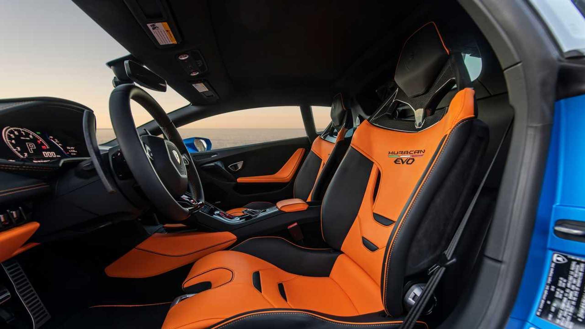 2020 Lamborghini Huracan Evo RWD seats