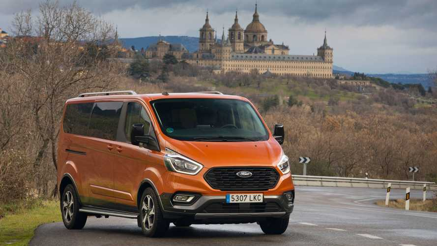 Ford Tourneo Active y Transit Trail