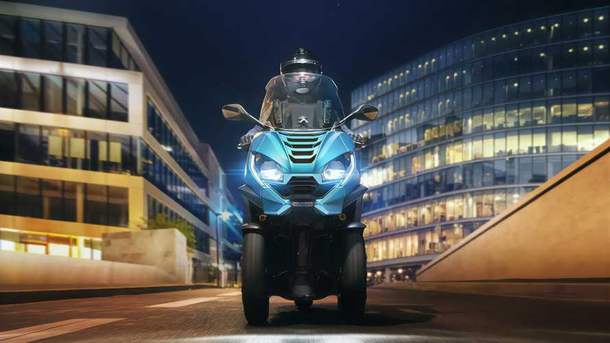 2020 Peugeot Metropolis Three-Wheeler Grew LED Fangs And Claws
