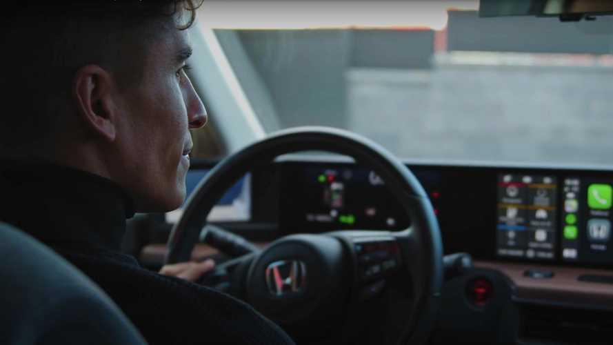 Marc y Alex Márquez prueban el Honda e 2020