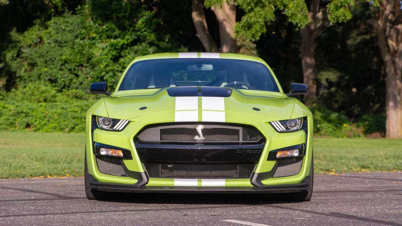 2020 Ford Mustang Shelby GT500 head on