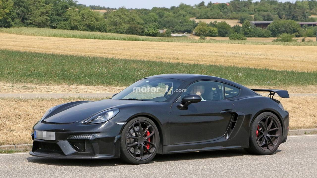 Porsche 718 Cayman GT4 spy photo