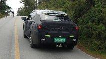 Flagra: novos Chevrolet Onix e Prisma