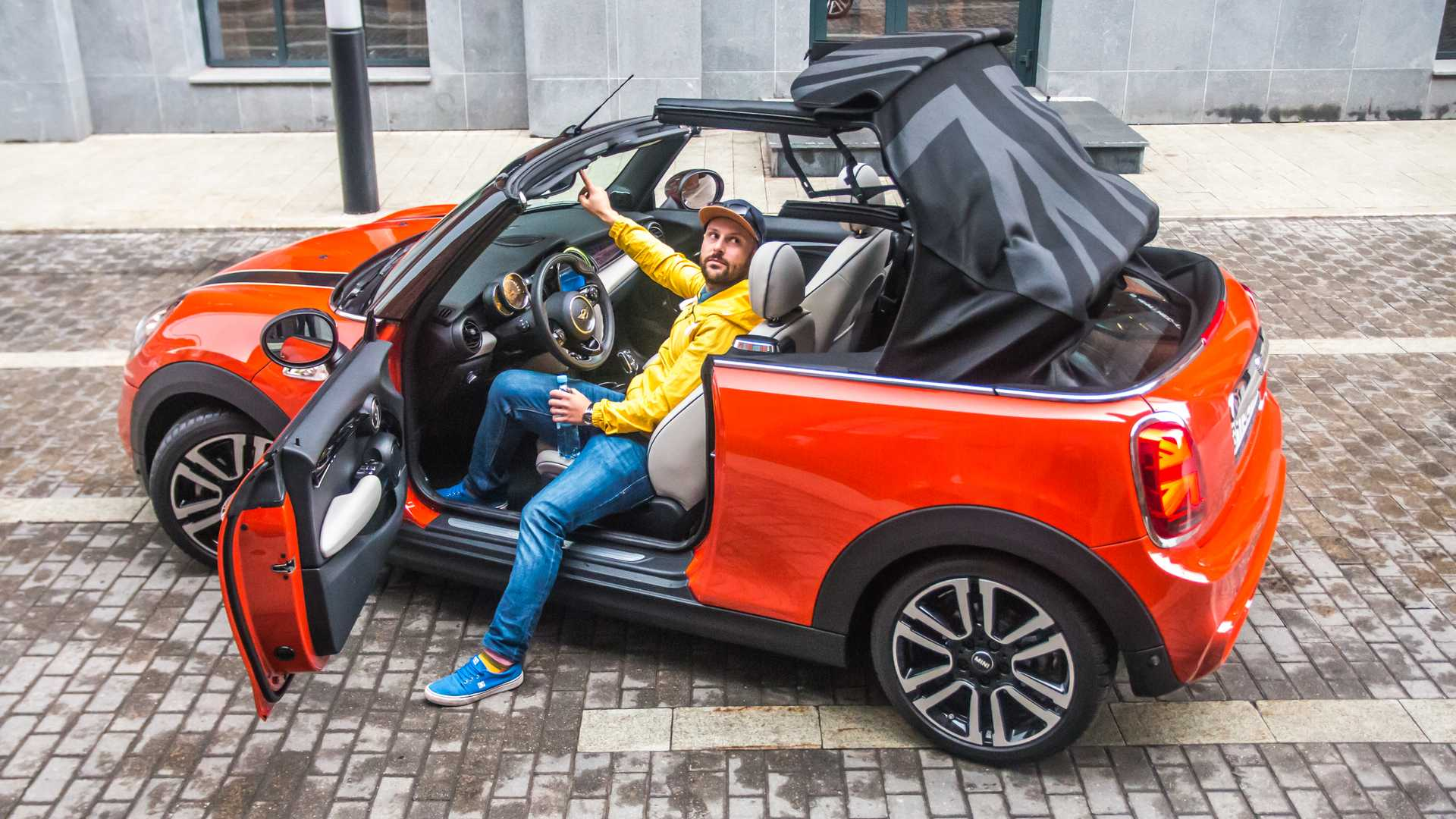 Самый веселый кабриолет: MINI Cabrio S