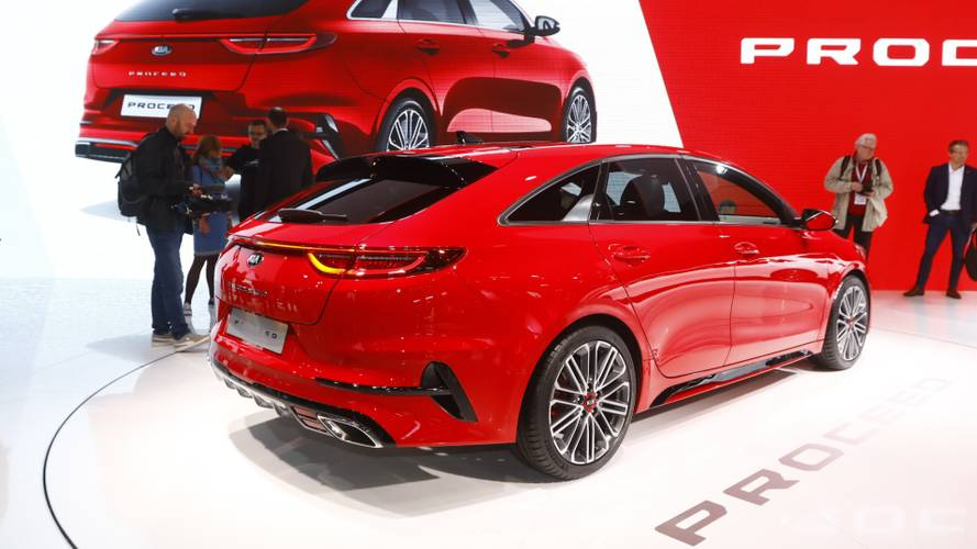 2019 Kia ProCeed shooting brake live in Paris