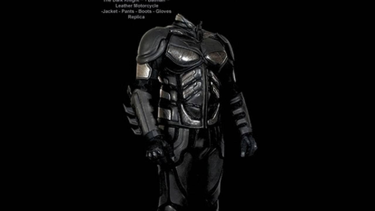 Batman motorcycle suit: the suit bikers deserve, not the suit they need