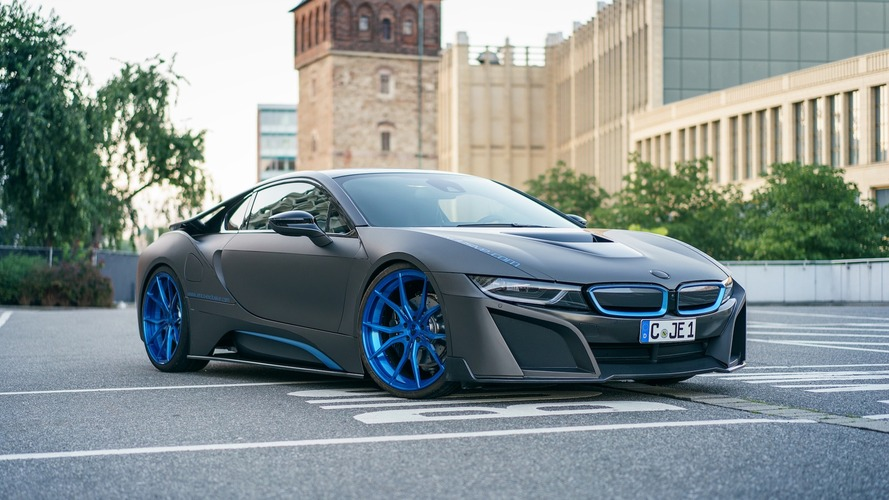 Matte gray BMW i8 looks better, kind of