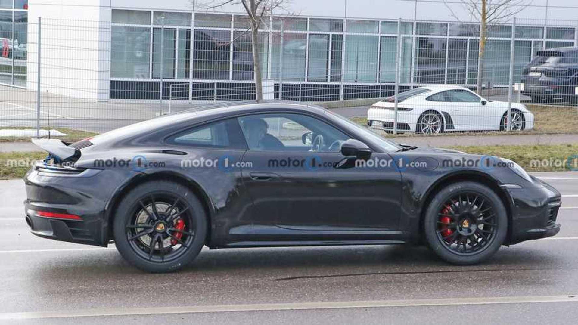 Злой прототип Porsche 911, за которым шпионят, может стать сафари