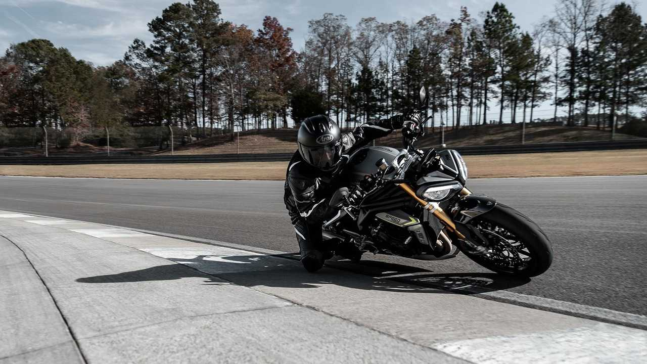 2021 Triumph Speed Triple 1200 RS, Action, Track, Lean in, Right