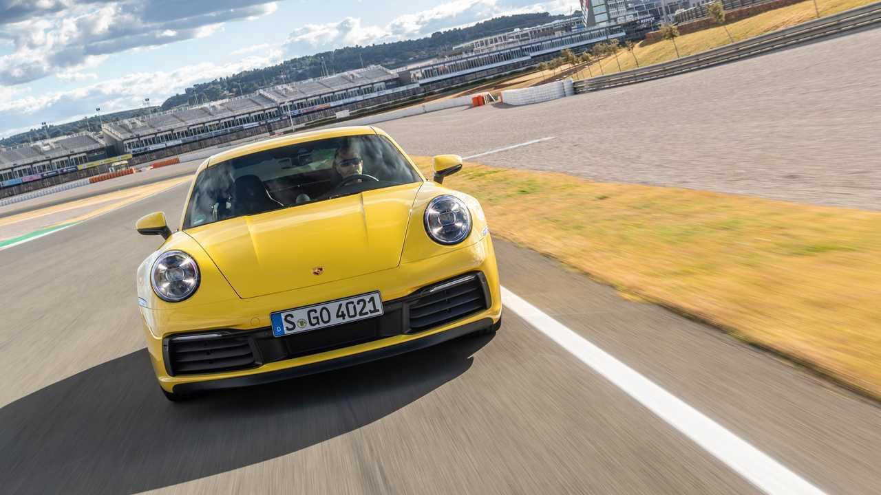 Porsche 911 (992), la prova in pista