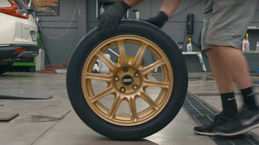 Who knew looking at tyres could be so soothing?