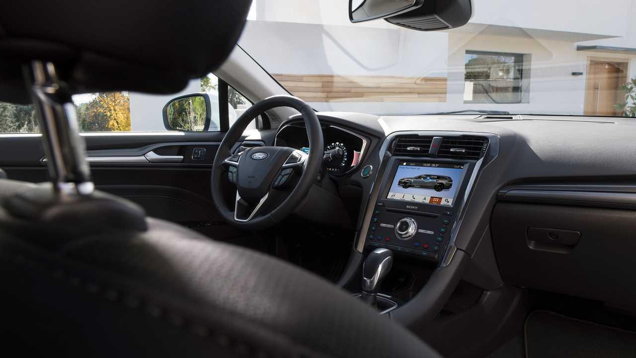 Ford Fusion Sobrevive Na Europa Trocando Versao A Gasolina Por Hibrida