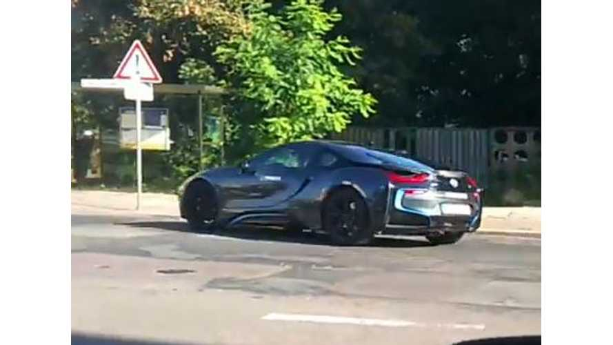 Video: Two BMW i8s Spotted Uncovered on Public Roads
