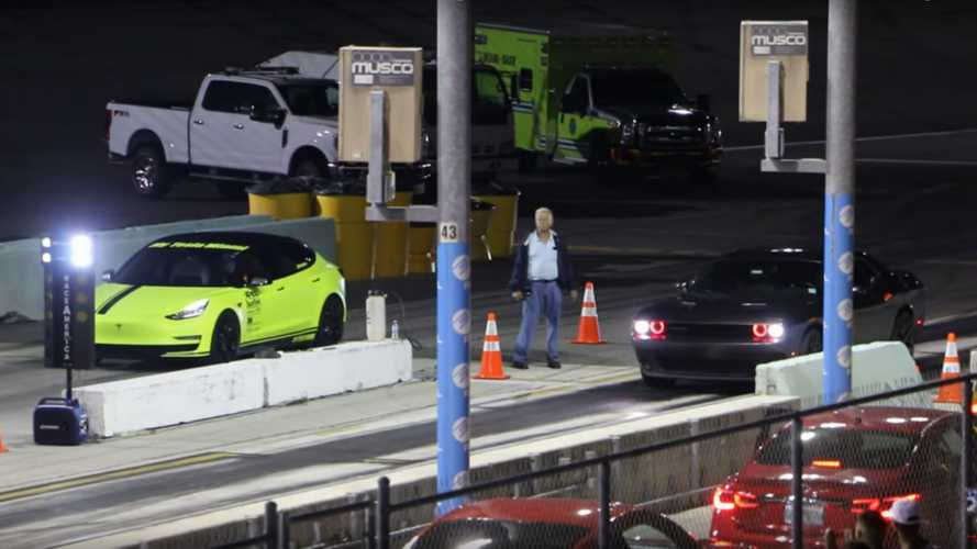 VIDÉO - Une Tesla Model 3 affronte une Corvette et une Dodge