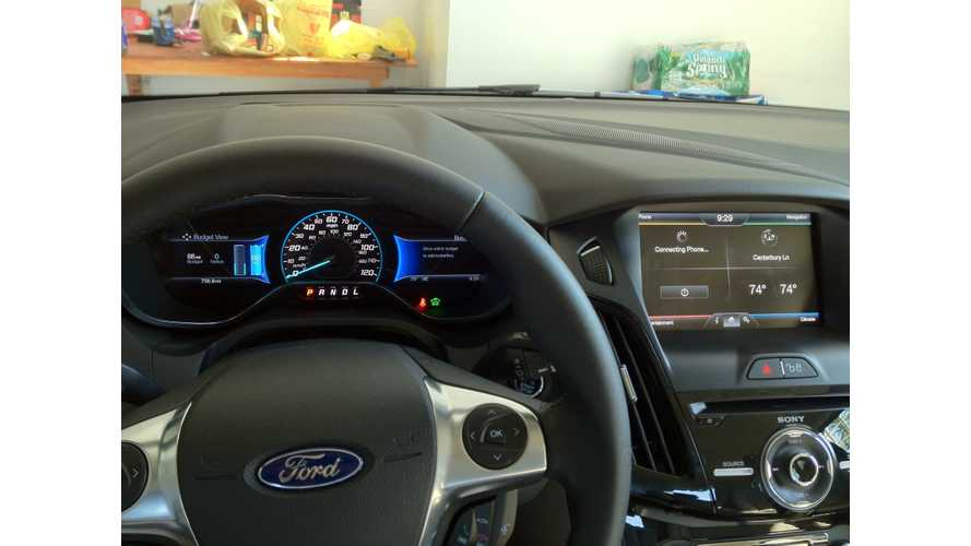 Ford Focus Electric Smart Gauge and Mobile App Real World Tests