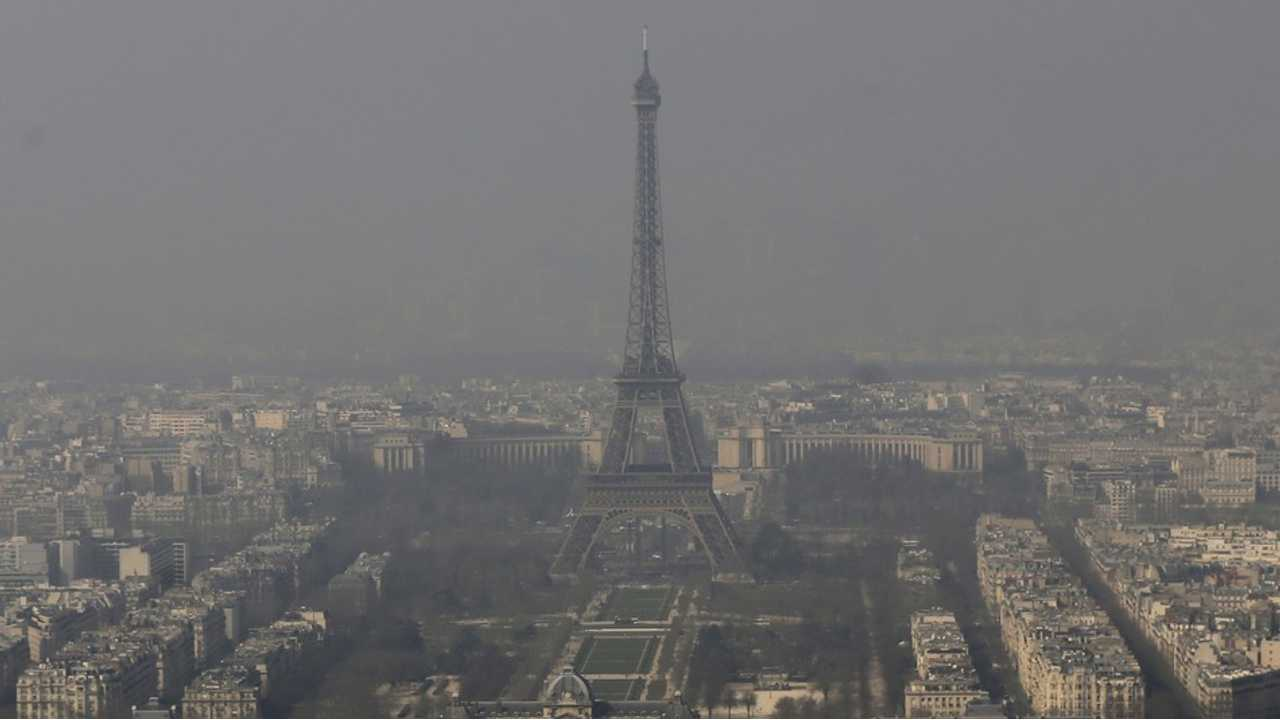 Free Electric Cars for Rent in Paris! Why? Smog