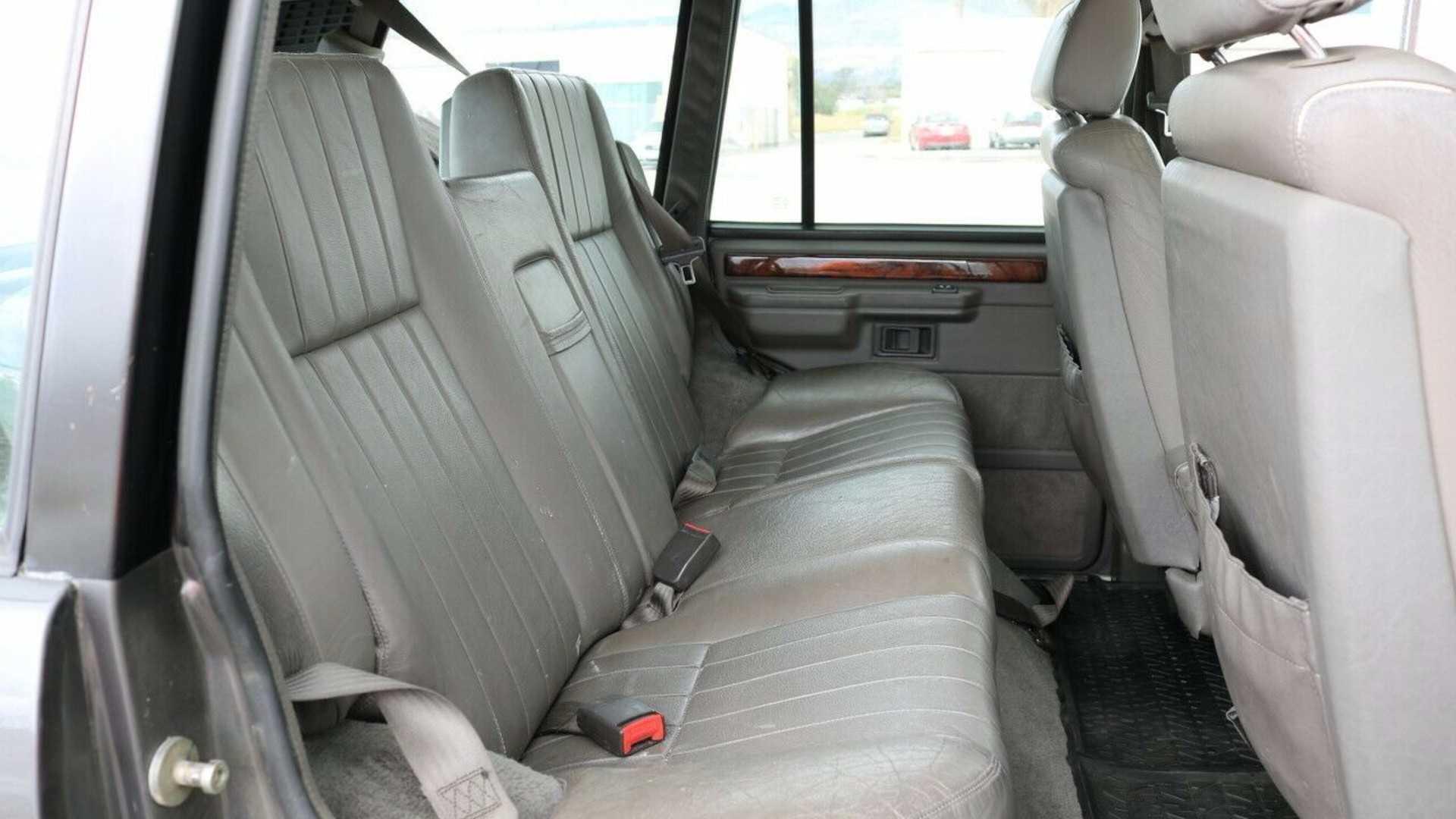 "[""1993 Range Rover V8 County""]"