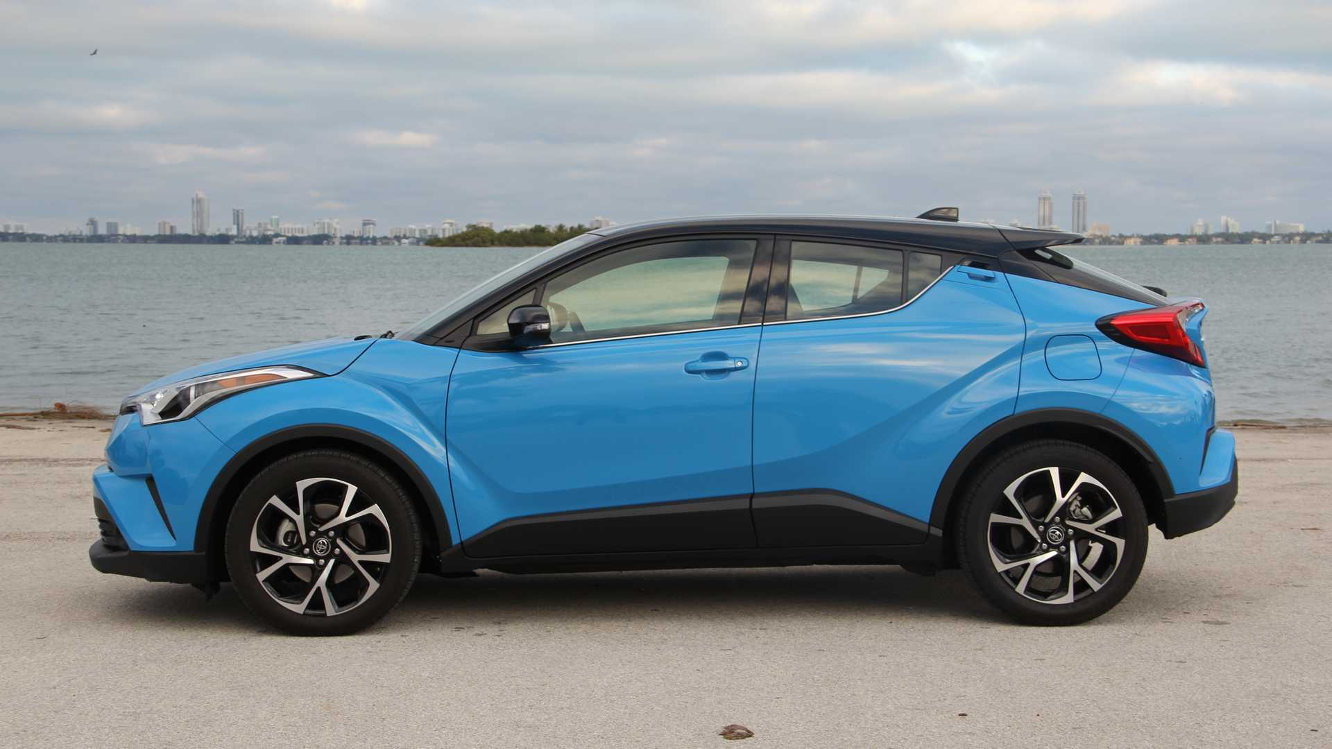 2019 Toyota C-HR Gets New Base Model With Drastically Lower Price