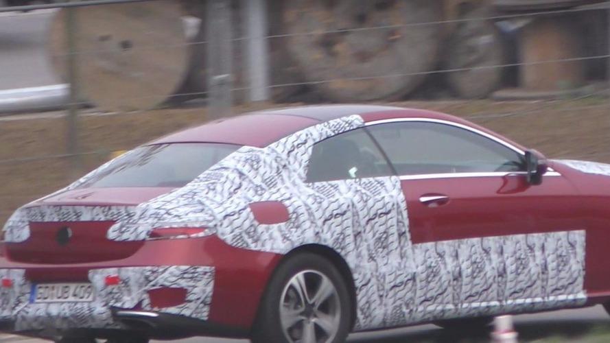 VIDÉO - La Mercedes Classe E Coupé 2018, se prépare en toute discrétion