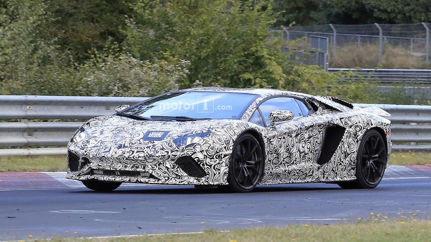 Lamborghini Aventador'un makyajında S kısaltması kullanılabilir