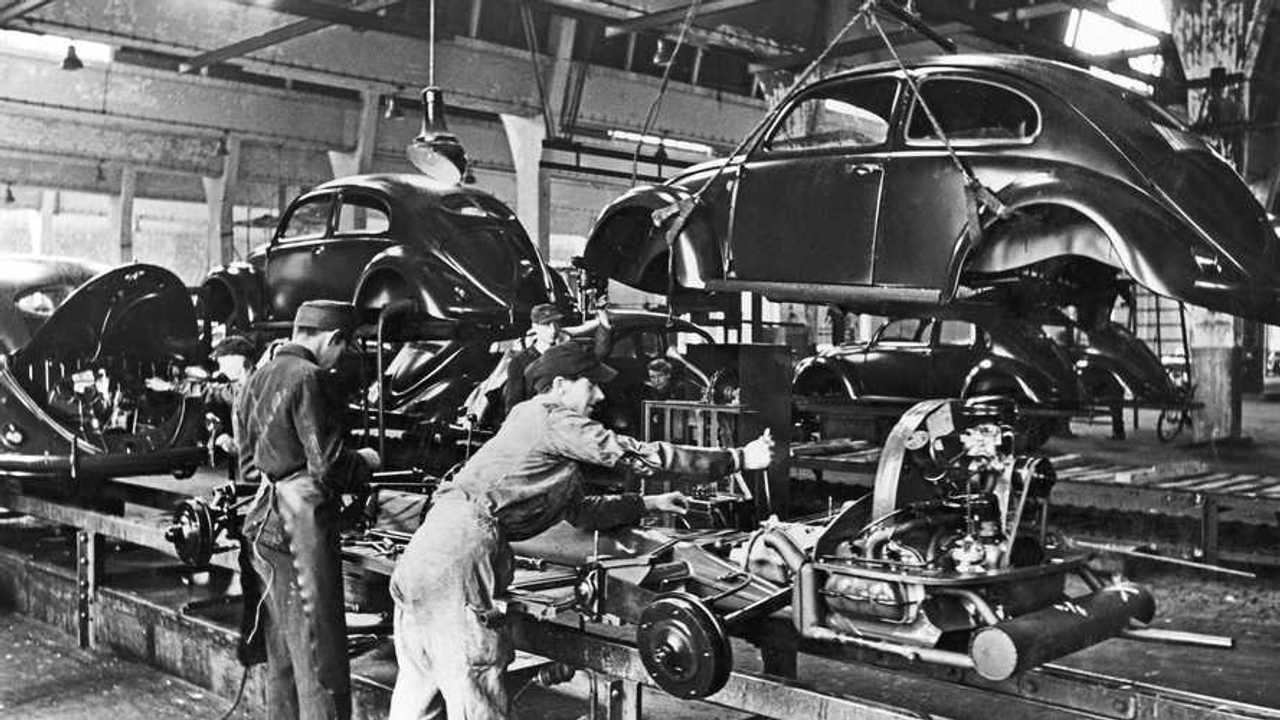 Volkswagen 75 anni fa partiva la produzione del Maggiolino