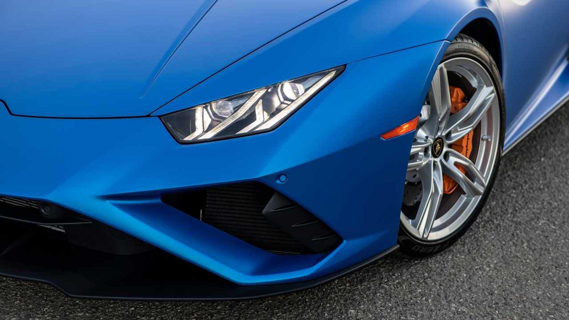 2020 Lamborghini Huracan Evo RWD headlight