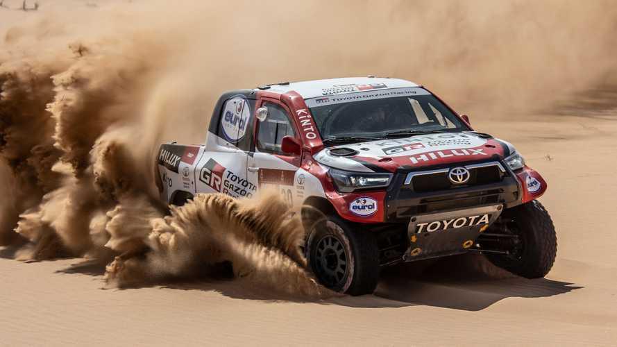 Toyota schiera 4 Hilux alla Dakar 2021