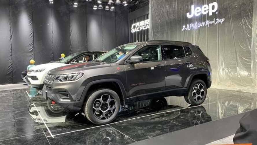 Flagra: Novo Jeep Compass 2022 já está no Salão que o apresentará ao mundo