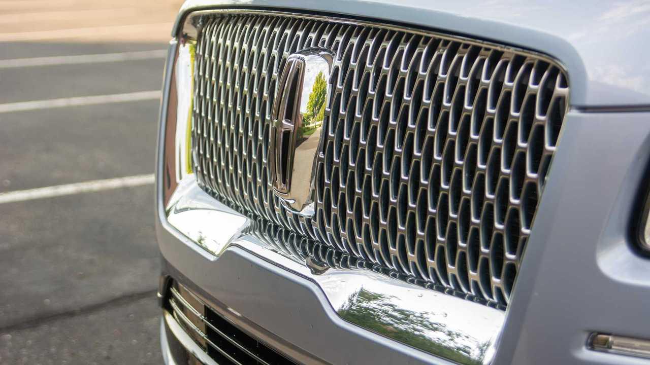 2020 Lincoln Navigator Black Label grille