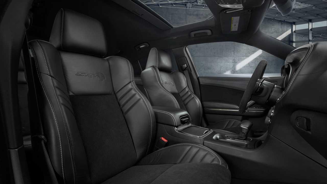 Dodge Charger Hellcat Widebody Interior