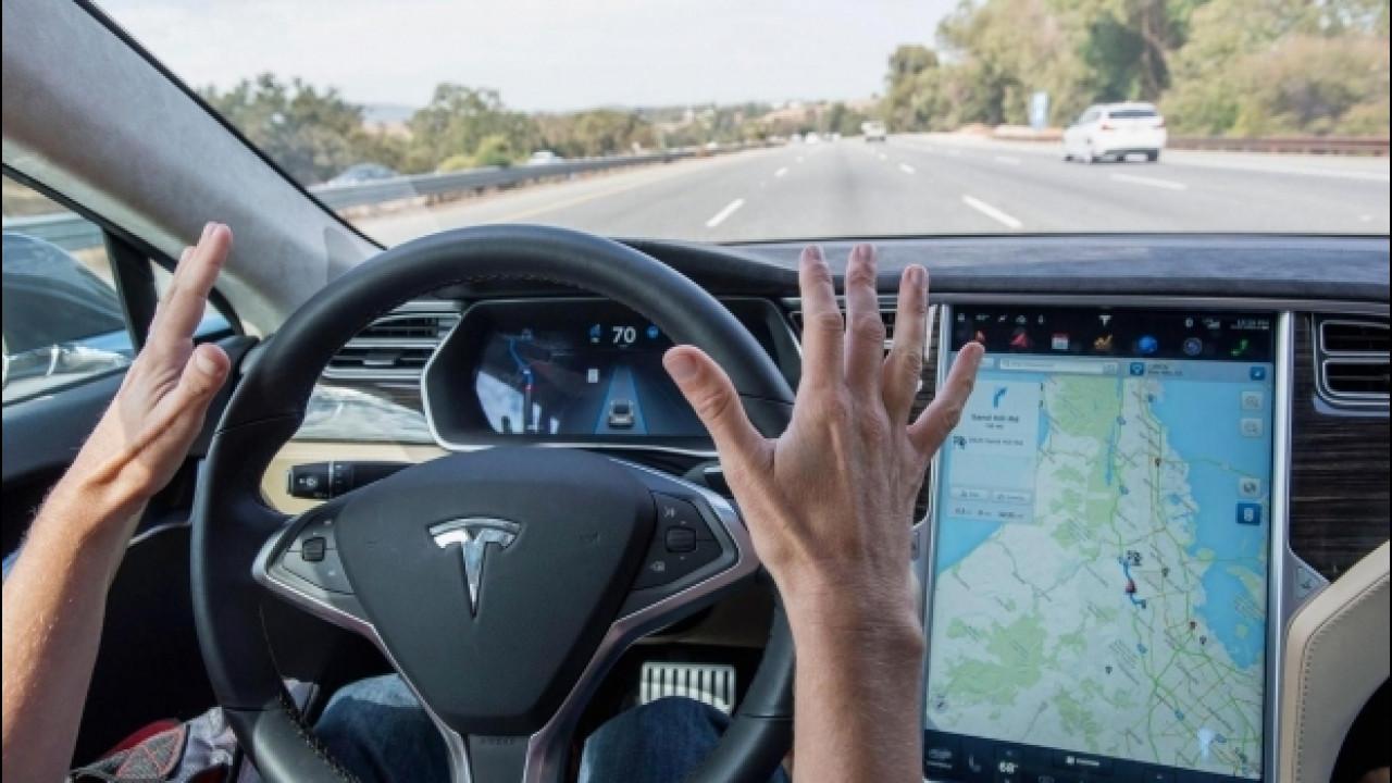 [Copertina] - Tesla, come va l'ultima versione dell'Autopilot [VIDEO]