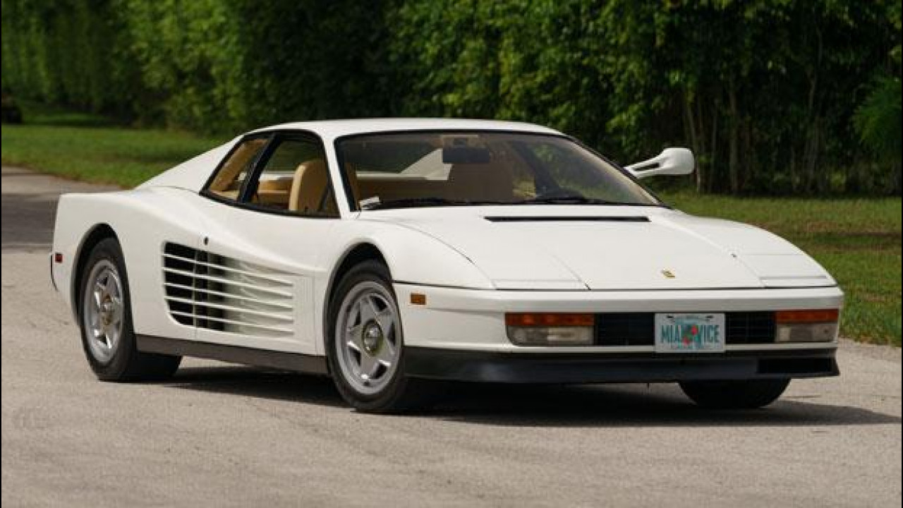 [Copertina] - Ferrari Testarossa, all'asta quella di Miami Vice
