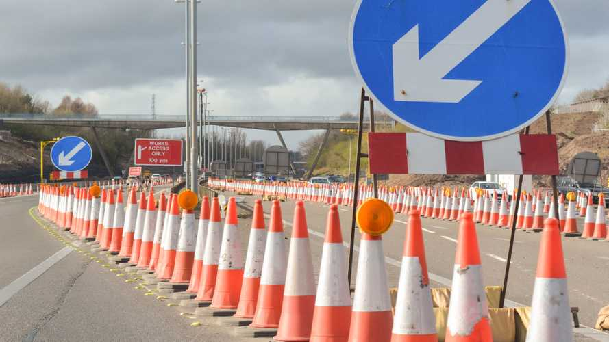 New deals to carry out £8.7bn of work on motorways and A-roads