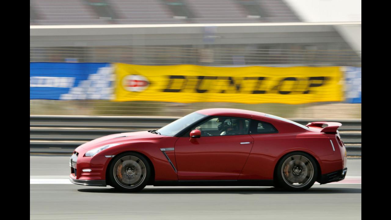 Nissan GT-R 2012 al Dubai Autodrome - foto dinamiche