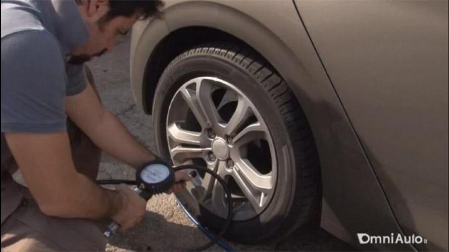 Vacanze in auto, gli italiani controllano le gomme?
