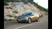 Opel Insignia Country Tourer 4x4, la prova della station comoda