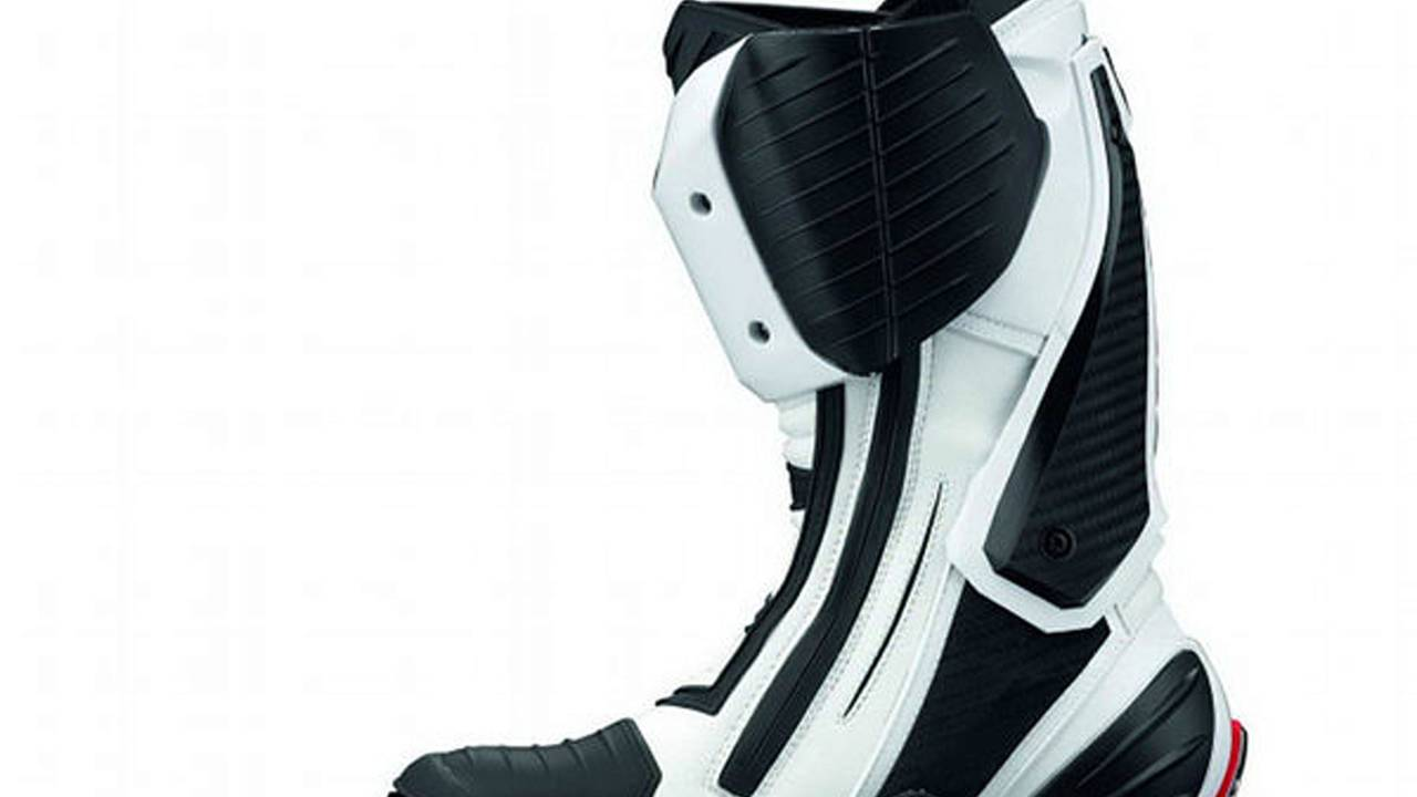 Gaerne GP-1: the other Italian racing boots