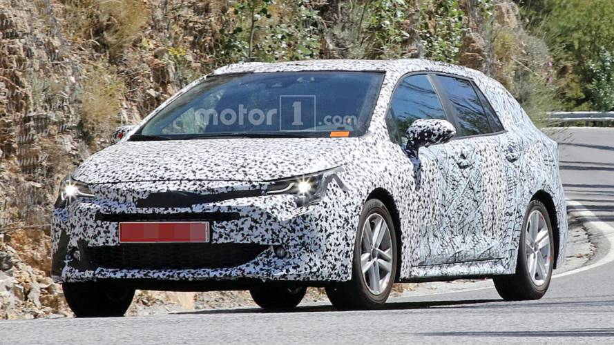 2019 Toyota Auris Touring Sports Wagon Spied Hot-Weather Testing