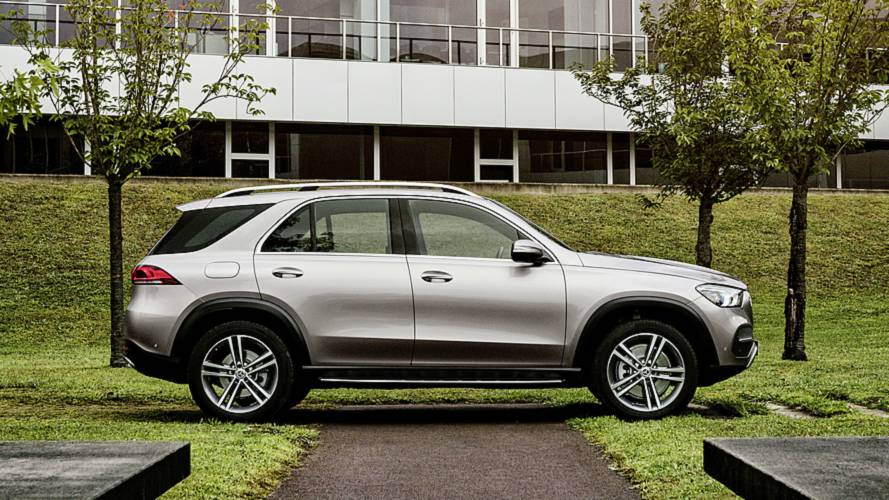 2020 mercedes benz gle launches with smoother look tons of tech. Black Bedroom Furniture Sets. Home Design Ideas